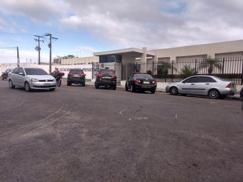 Carros da Polícia Federal estacionados em frente ao da A3 Entretenimento