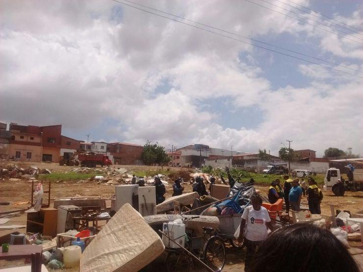 Imagem da desocupação em terreno no Conjunto Ceará