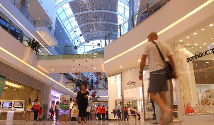 Imagem de um shopping da capital cearense