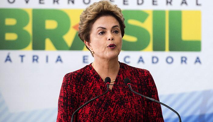 Dilma dando entrevista