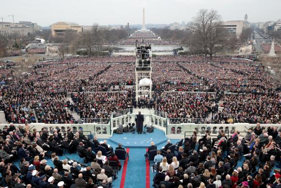 Público comperece à posse de Donald Trump