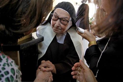 Irmã Maria da Paz se dedicou ao Carmelo de Santa Teresinha, no Castelão (Foto: Edimar Soares, em 1/10/2014)