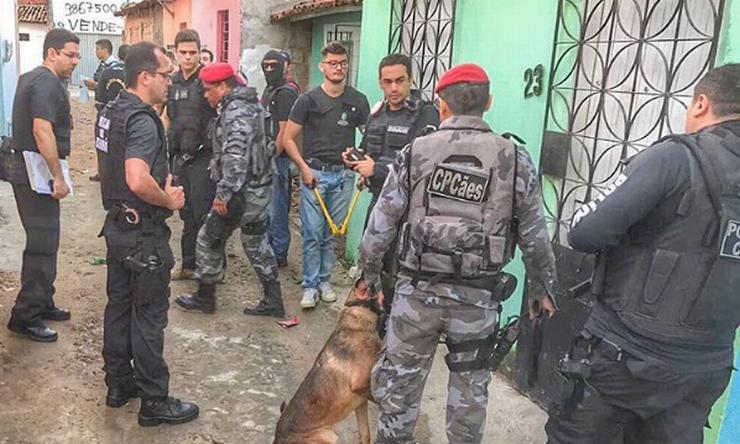 Imagem da operação policial contra o tráfico