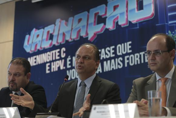 Ministro Ricardo Barros com os secretários de Atenção à Saúde, Francisco Figueiredo, e de Educação Básica do MEC, Rossieli Soares