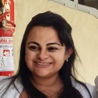 Katiane Queiroz de perfil