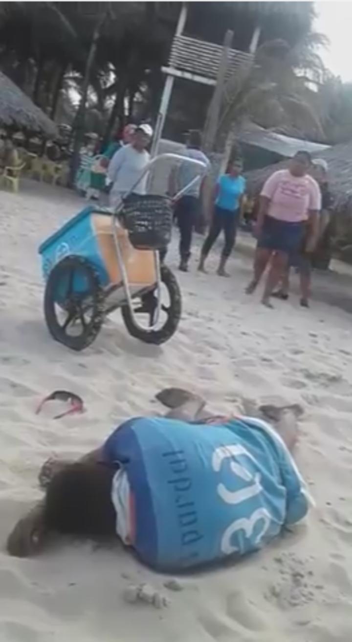 Ambulante caído ao chão após receber agressão