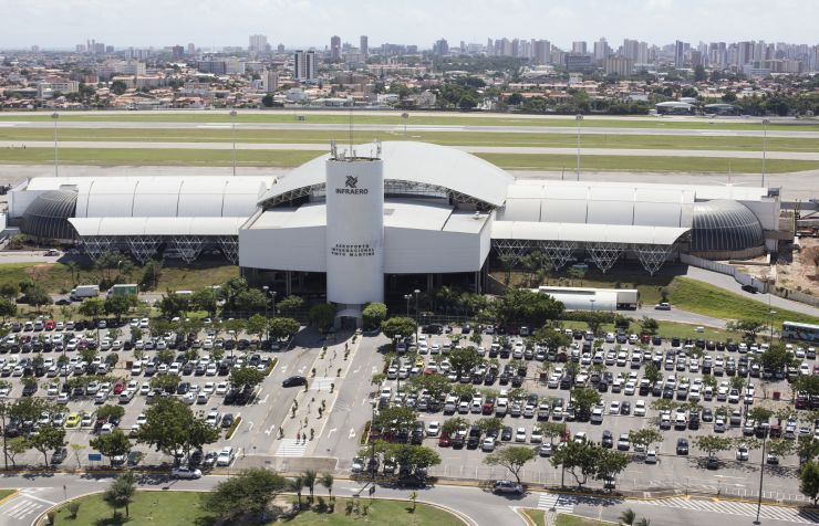 Vista aérea do Aeroporto Internacional Pinto Martins, em Fortaleza