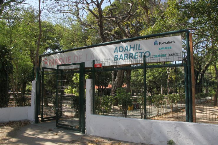 Fachada do Parque Adahil Barreto