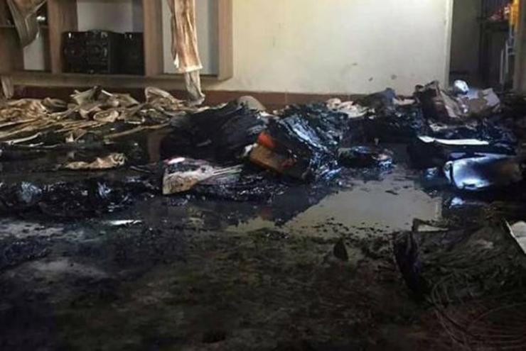 Sala de aula após incêndio