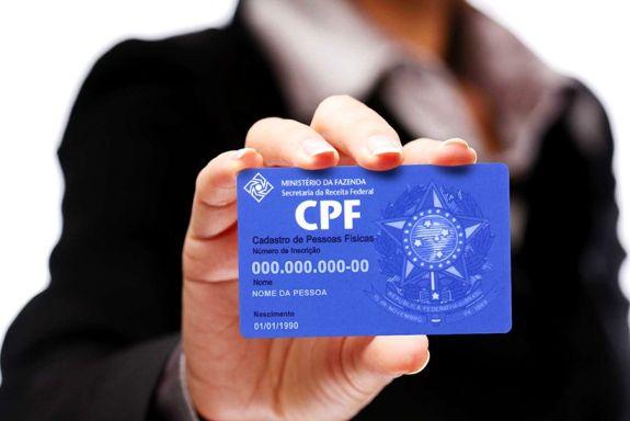 Cartão do Cadastro de Pessoas Físicas (CPF). (O POVO)