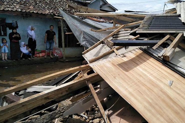 Imagens de escombros causados pelo terremoto