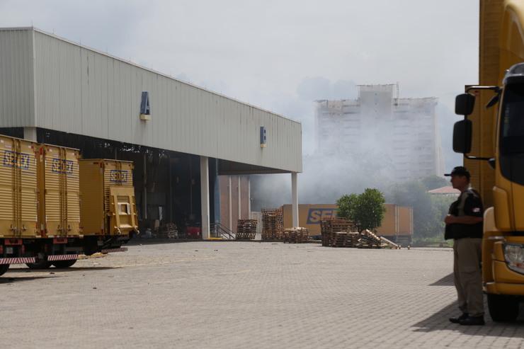 Centro de Triagem com fumaça