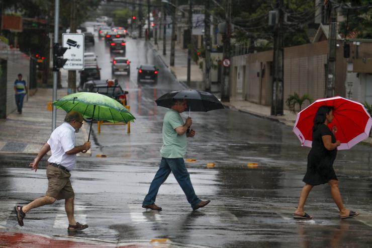Chove forte em 25 municípios do Ceará; precipitações atingem 124 cidades