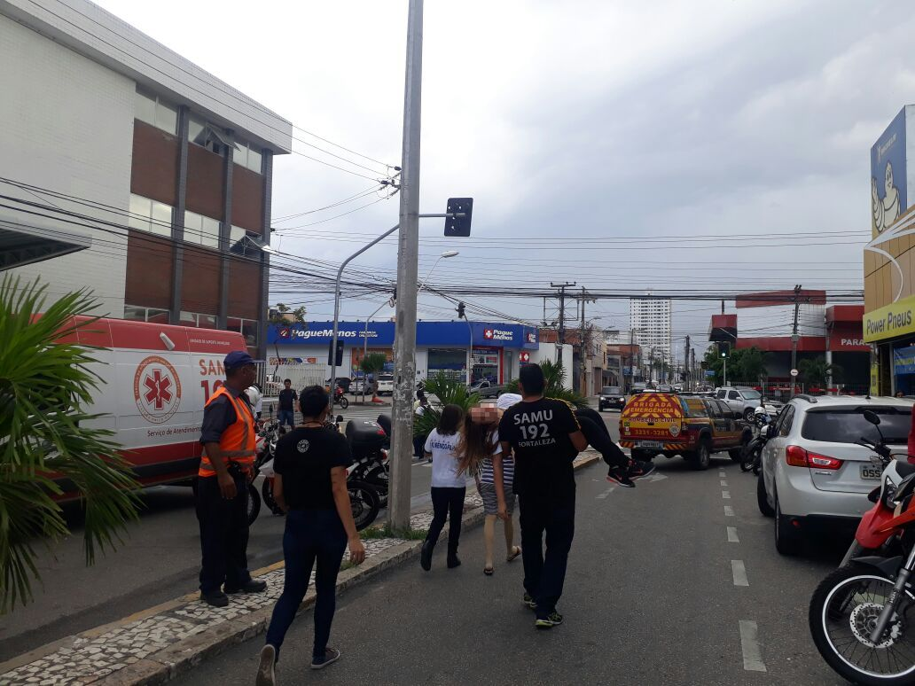 https://www.opovo.com.br/noticiasimages/app/noticia_146418291334/2018/02/23/351517/incendio___.jpg