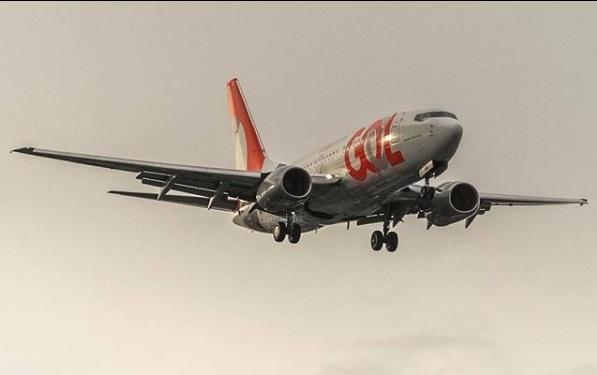 Avião da Gol no ar