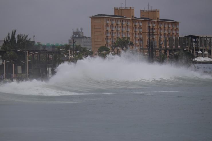 Grandes ondas na Beira Mar