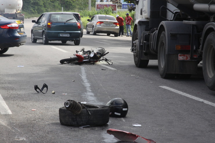 Acidentes de moto são maioria