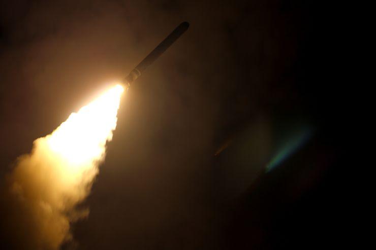 Míssil disparado sobre a Síria
