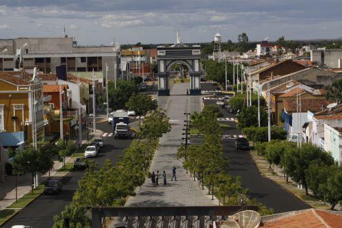 Arco do Triunfo e boulevard em Sobral