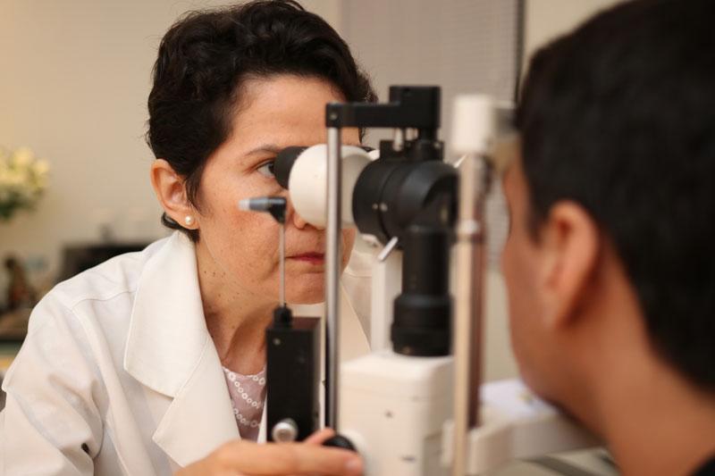 médica oftalmologista Socorro Carvalho