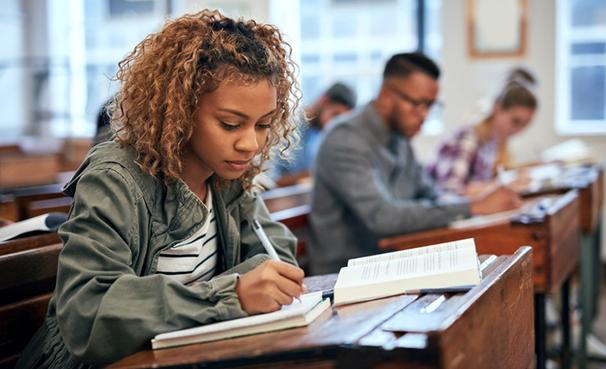 Estudantes podem contar com o FNE do Banco do Nordeste para formação acadêmica