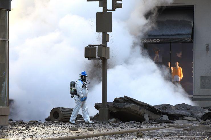 Trabalhador passa por explosão de vapor