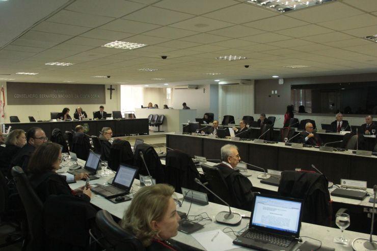 Pleno do Tribunal de Justiça do Estado do Ceará na manhã desta sexta-feira, 17 (Foto: )