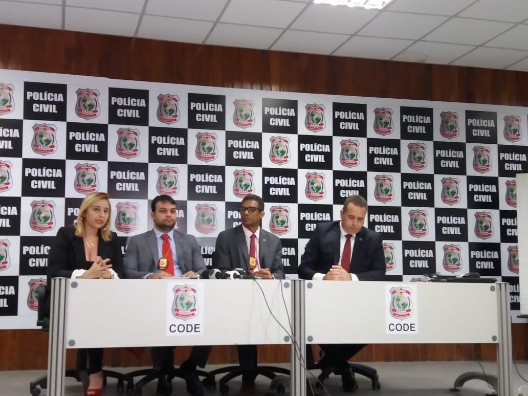 Coletiva de imprensa no Complexo de Delegacias Especializadas (Foto: )