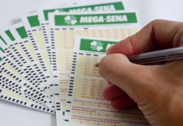 Cartelas de apostas na Mega Sena